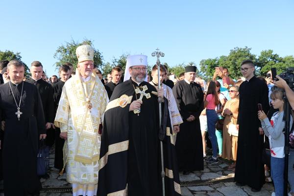 У с.Крилос (Давньому Галичі) відбулася Всеукраїнська патріарша проща до Чудотворної ікони Матері Божої, Покровительки Галицького краю