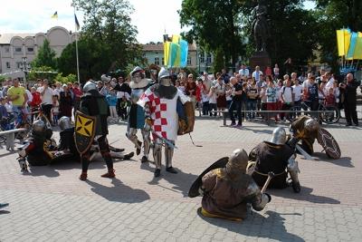 У Галичі знову звучали сальви лицарській звитязі