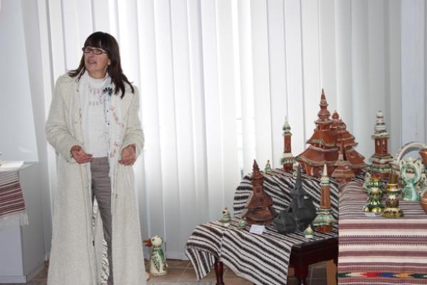 «Дзвони Великодні». Виставка гуцульської кераміки