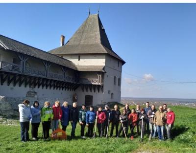 Колектив Національного заповідника «Давній Галич»  долучився до весняної толоки