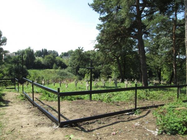 В Галичі проведено роботи щодо благоустрою військового кладовища періоду Великої війни